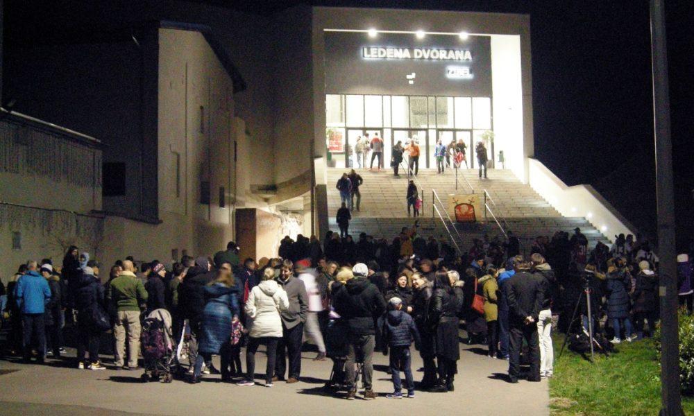 U Sisku održan mirni prosvjed simpatizera i hokejaša Siscije